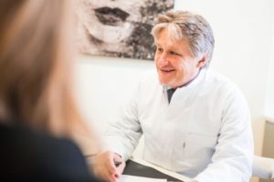 Ästhetisch Plastische Chirurgie München Beratungsgespraech